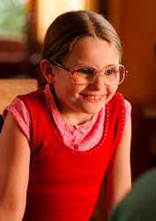 Abigail Breslin as Olive